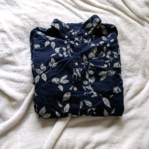 Old Navy Leaf Print Short Sleeve Button Down